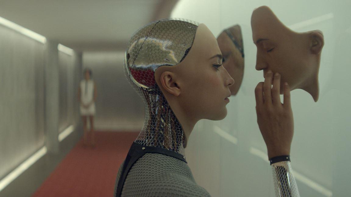 Dangereuse séduction entre l'homme et la machine
