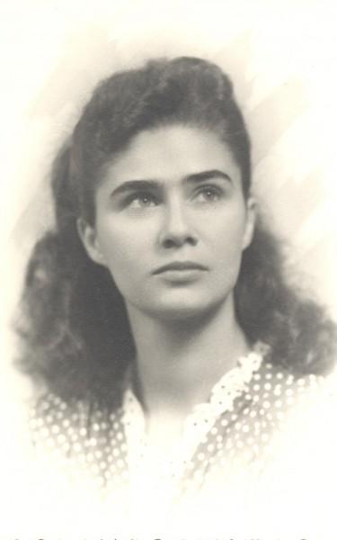 p20 anne hébert portrait
