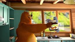 Grizzy offre aux Lemmings le gadget collé dans le couvercle de pâte à tartiner.'