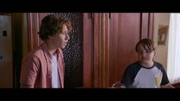 Léo et Tom veulent sauver la grange des mutantes de la démolition.'