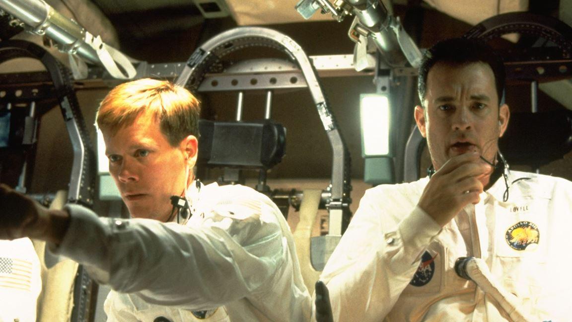 Trois astronautes en péril entre la Terre et la Lune