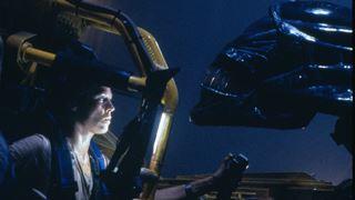 Sigourney Weaver affronte de nouveau de terrifiants extraterrestres