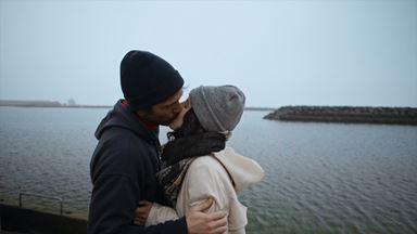 Après une bonne tempête en mer, l'amour s'installe