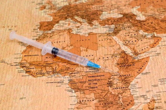 Plus de doses de vaccins pour les riches ? 💉